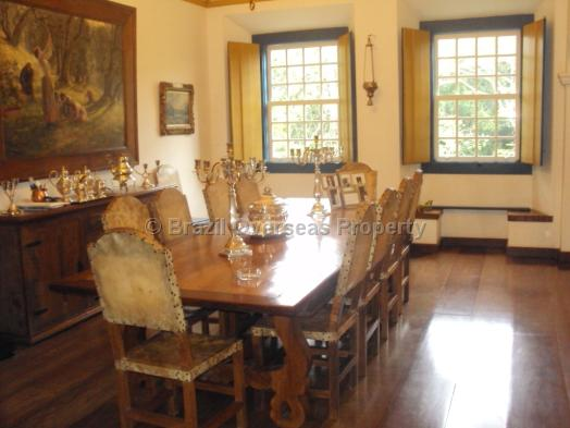 House for sale in Tiradentes - Main house dining room