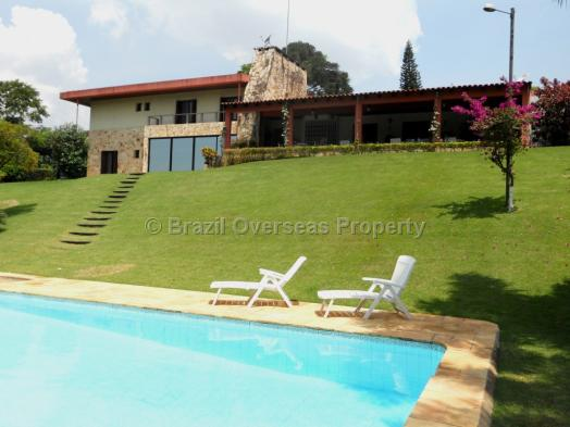 Country Home for sale in Sao Paulo - Pool and house in view
