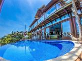 House for sale in Buzios - Pool terrace and front of mansion