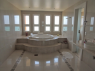 House for sale in Buzios - Master bedroom jacuzzi